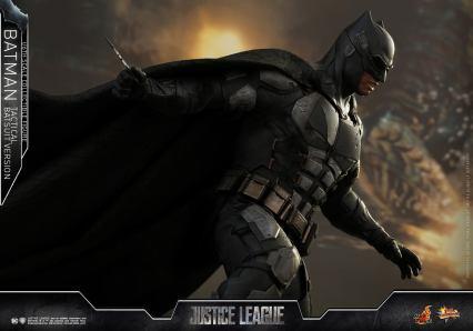 JL Tatctical Batman (21)