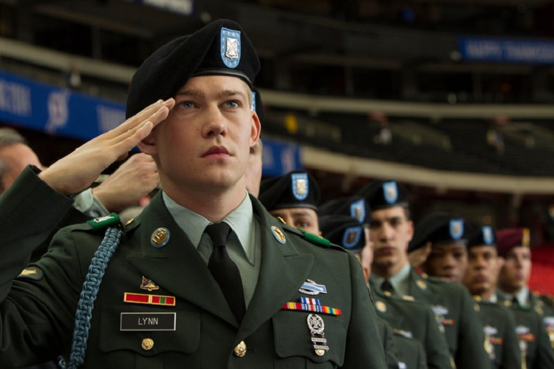 Billy Lynn's Long Halftime Walk (DVD) Review – A film not worthy of being a halftime attraction 7