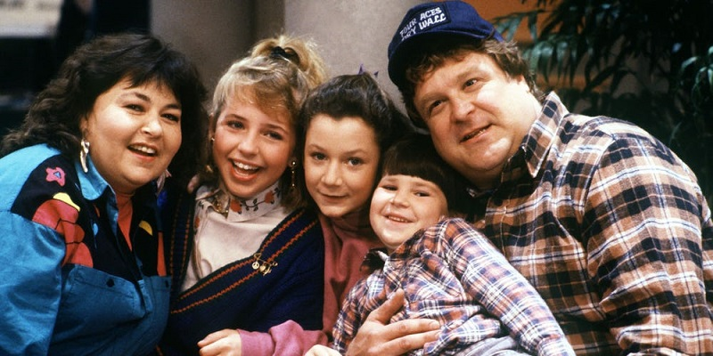 Have a look at the first photos of the original cast returning for the Roseanne reboot 4