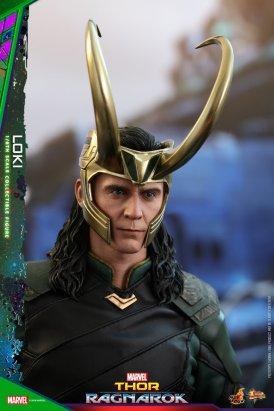 Hot Toys Loki (12)