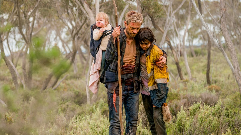 Cargo Review - Netflix zombie thriller that brings strong emotion to a lifeless genre 8