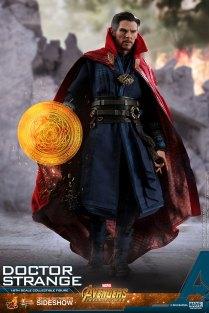 Hot Toys Doctor Strange (4)