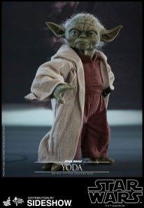Yoda Hot Toys (8)