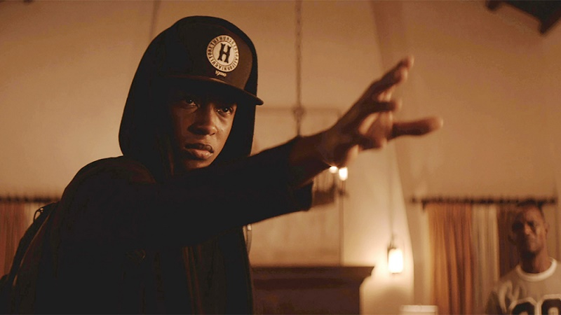 Sleight (DVD) Review – Some unnecessary sci-fi ruins this engaging magic trick 8