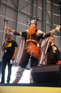 Day-2-Fan-Cosplay-Comp-2384