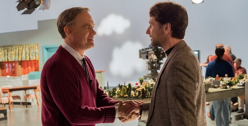 Tom Hanks is trying to make everyone feel better in this trailer for A Beautiful Day in the Neighbourhood.