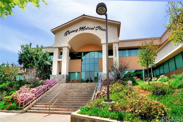 PRICE REDUCED , SELLER IS MOTIVATED!! COMMERCIAL CONDO AVAILABLE FOR SALE OR FOR LEASE IN A PRESTIGIOUS MEDICAL OFFICE BUILDING IN HIGHLY COVETED AREA OF NEWBURY PARK! This two-story building exudes professionalism, style and class with ample room and resources.This beautifully maintained office space offers: 5 treatment rooms including a surgical room with bathroom, reception and a large open area as well as an on-site pharmacy. A spacious, light-filled common area boasts two elevators, four ADA handicapped restrooms, an open air atrium complete with a beautiful fountain and electric handicapped ramps and  abundant amount of surface parking. Location is minutes from the 101 freeway and Los Robles Medical Center. Tenants may design the suite to fit their needs with 5 year lease