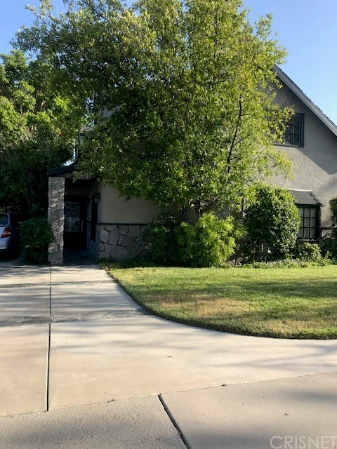 **** SHORT SELL**** BEAUTIFUL 3 BEDROOM, 3 BATH CHATSWORTH HOME, NEW WOOD FLOORS, GARAGE HAS BEEN CONVERTED TO DEN. BEAUTIFUL PATIO, POOL, FRUIT TREES. MUST SEE!  MASTER BATHROOM REMODELING NEEDS TO BE COMPLETED.   SELLER WILL NOT PAY FOR ANY REPAIRS AND UPGRADES.