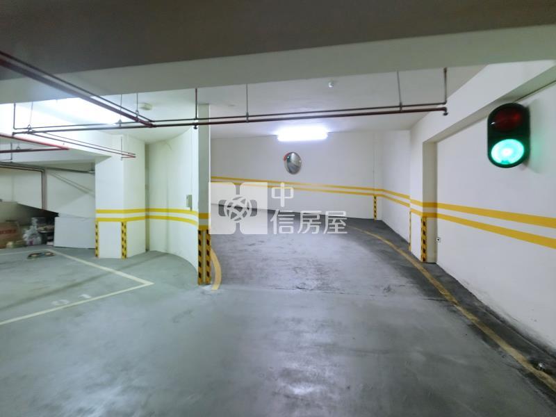 電梯住宅出售.萬美名邸三房附平面車位-臺北市萬華區萬大路房屋出售-中信房屋