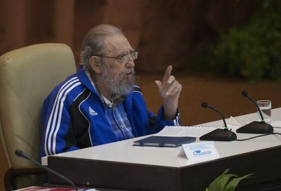 """""""Pronto cumpliré 90 años"""" diría el Comandante en Jefe en la Clausura del VII Congreso del Partido."""