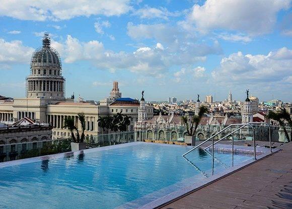 Vista de la piscina del Gran Hotel Manzana Kempinski La Habana, situado en el casco histórico de esa ciudad y próximo a inaugurarse. Cuba, 10 de marzo de 2017. ACN FOTOS/Abel PADRÓN PADILLA/sdl