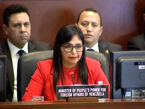 Delcy Rodríguez, denunció este lunes 27 de marzo durante el Consejo Permanente de la Organización de Estados Americanos(OEA), que ha existido una agresión multiforme contra Venezuela que pretende dañar la imagen internacional del país. Foto: @vencancilleria