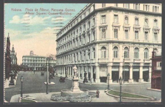 Una postal de 1925 muestra la Manzana de Gómez.