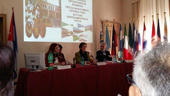 Ministra de la Industria Alimentaria y la Pesca presenta en Roma de la Cartera de Oportunidades de la Inversión Extranjera en Cuba. Foto: Carmen Oria.