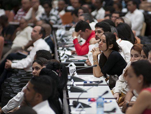 Durante el acto de solidaridad con Venezuela, celebrado en el Palacio de las Convenciones, se divulgaron las declaraciones del XV Consejo Político del ALBA-TCP. Foto: Ladyrene Pérez/ Cubadebate.
