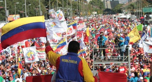 Gran Marcha de la Juventud por la Paz y por la Vida realizada el sábado 15 de febrero de 2014, en Caracas, encabezada por el Presidente Nicolás Maduro. Foto: Prensa Presidencial/ Miraflores.