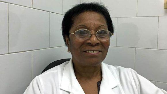 La oncóloga Elia Neninger ha probado Cimavax en cientos de pacientes desde los años 90. Foto: BBC.