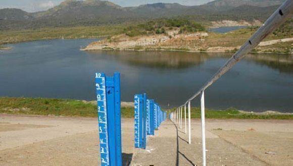 Desde noviembre de 2016 hasta enero del presente año, 120 municipios, de los 169 en Cuba, sufrieron afectaciones por la sequía, la cual mantiene tendencia ascendente. Foto: ACN.