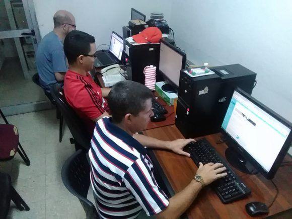 Administradores de la red Unica. Foto: Giovany Peñate, estudiante de Periodismo de la Universidad Central de las Villas.