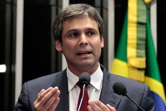 El senador Lindbergh Farias afirma que el gobierno de Temer llegó a su fin. Foto: Luiz Alves/ Agencia Senado.