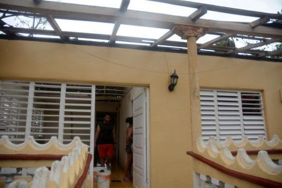 Irma arremetió contra la infraestructura de la vivienda en la provincia. Foto: Oscar Alfonso/ Escambray.