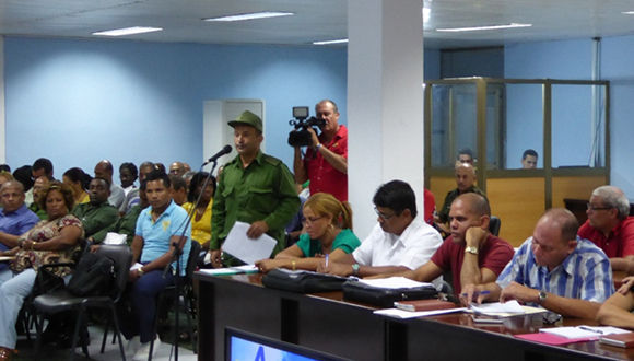 Sesión de trabajo del Consejo de Defensa Provincial, Guantánamo. Foto: Jorge Luis Merencio Cautín/ Venceremos.