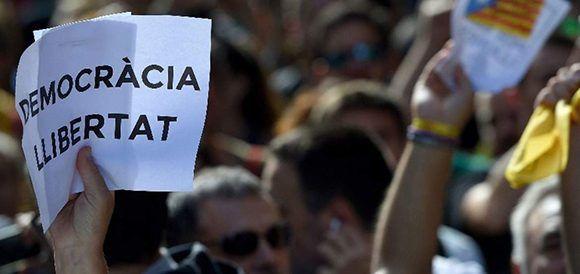 En el centro de Barcelona, miles de personas protestaron por los arrestos. Foto: AFP.