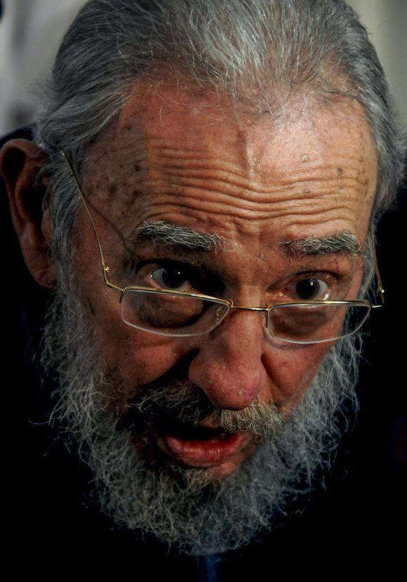 Fidel durante su última votación. Foto: Ismael Francisco/ Cubadebate.