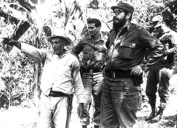 Desde el triunfo revolucionario, Fidel visitó el Escambray para alentar los planes de desarrollo en esas serranías.
