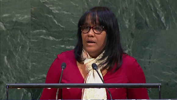 Le représentant de Cuba à l'ONU, Anayansi Rodríguez, dans son discours rejetant la politique de Trump à Jérusalem. Photo: @ CubaMINREX / Twitter.
