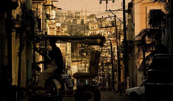 El fondo habitacional de Cuba asciende hoy a 3 824 861 viviendas, según la actualización del Censo de población y viviendas de 2012. Foto: Claudia Camps.