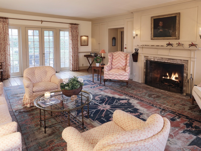 The Formal Living Room Features Beautiful Paneling, Made By Cliftondale  Woodworkers Of Saugus, Massachusetts (the Story Says Maine, But Iu0027m Pretty  Sure That ... Part 66