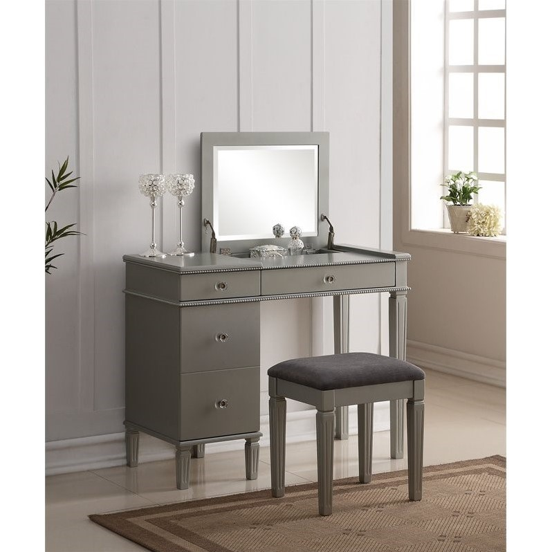 Bedroom Vanity Set in Silver  580435SIL01U