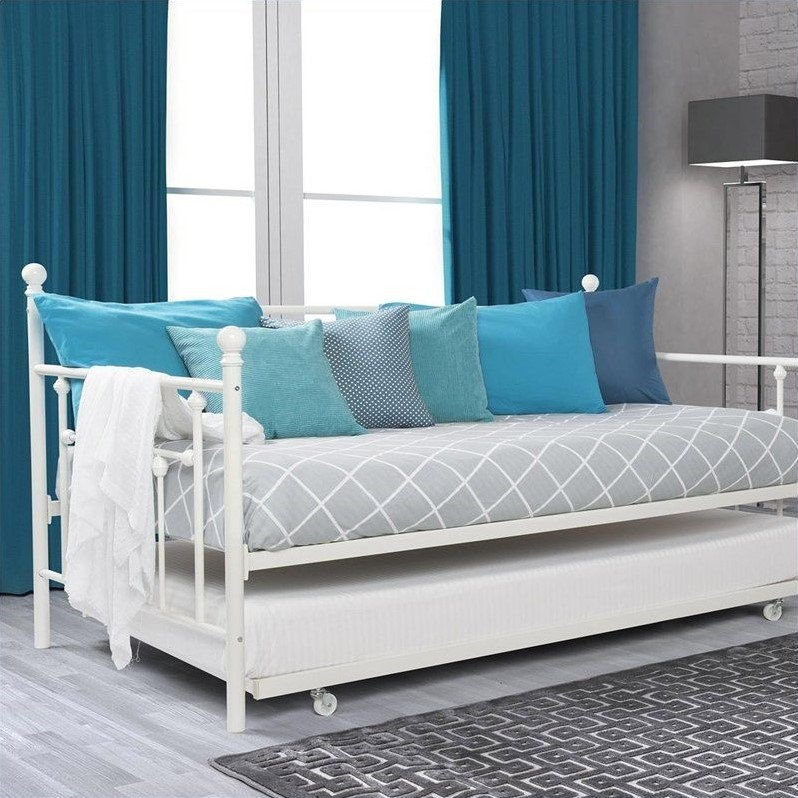 Metal Framed Daybed with Trundle in Twin in White  4015159
