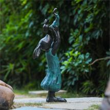 Luxen Home Bunny Holding Baby Polyresin Garden