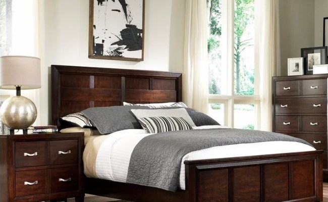Broyhill Eastlake 2 Panel Bed 2 Piece Bedroom Set In Warm