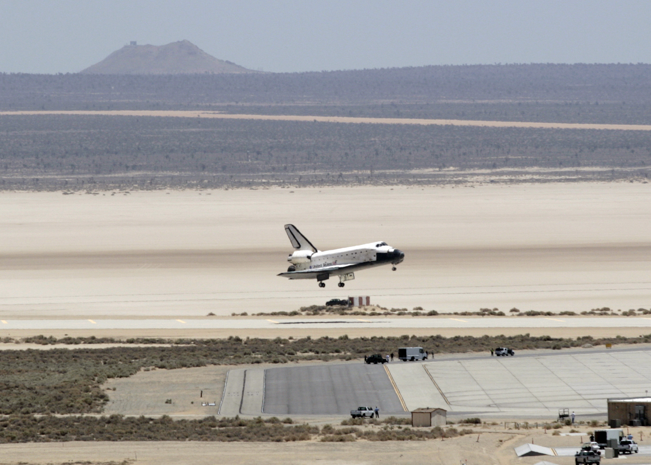 Space Shuttle Atlantis Arrives At Edwards Gt Edwards Air