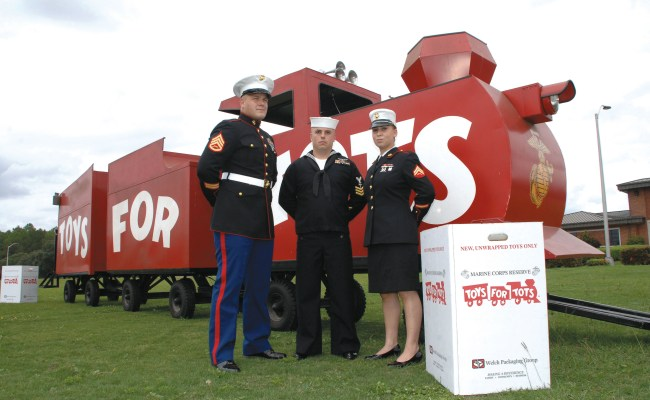 Toys For Tots Marines Provide Christmas For Less