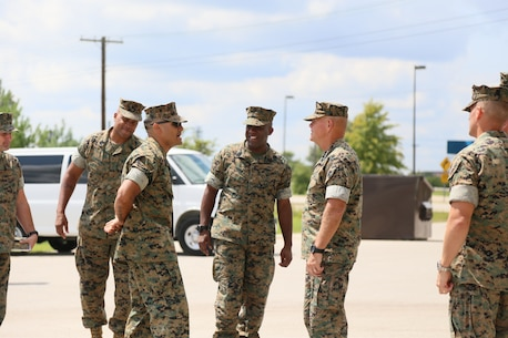 Msgt James J Fuentes The Military Police Course Chief Gives Commandant Of Marine