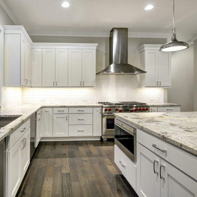 Granit Tezgah Üstü ve Kuvars Tezgahı Aynı, Beyaz Ve Siyah Granit Mutfak Tezgahı Modern Görünümler Veriyor