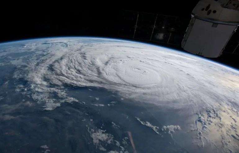 Foto tomada por la NASA donde se aprecia el huracán Harvey desde la estación espacial.