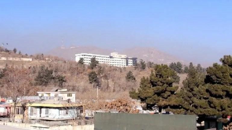Los yihadistas entraron al hotel a las 21:00 horas del sábado por la cocina. Poco después el edificio era sobrevolado por helicópteros.