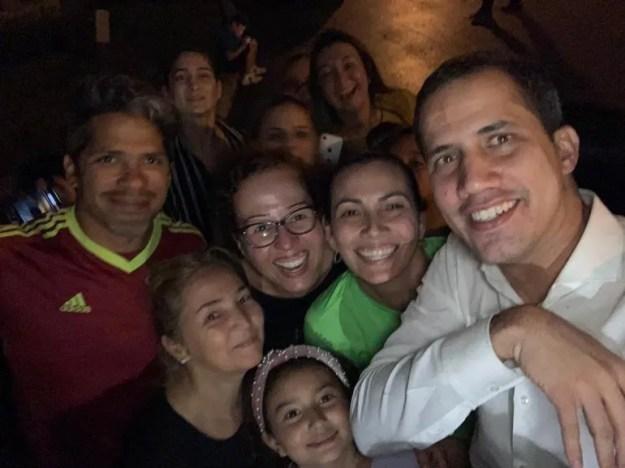 La familia de Tina Infante no pudo ocultar su emoción de ver de cerca a Juan Guaidó