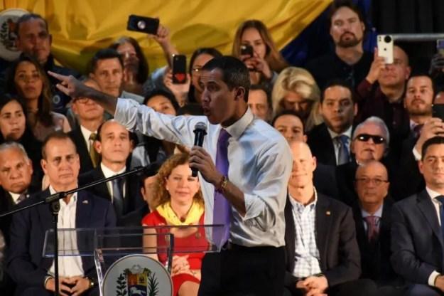 Juan Guaidó le hablo a los venezolanos que residen en el sur de la Florida. Aseguró que las opciones están en la mesa pero otras bajo la manga.