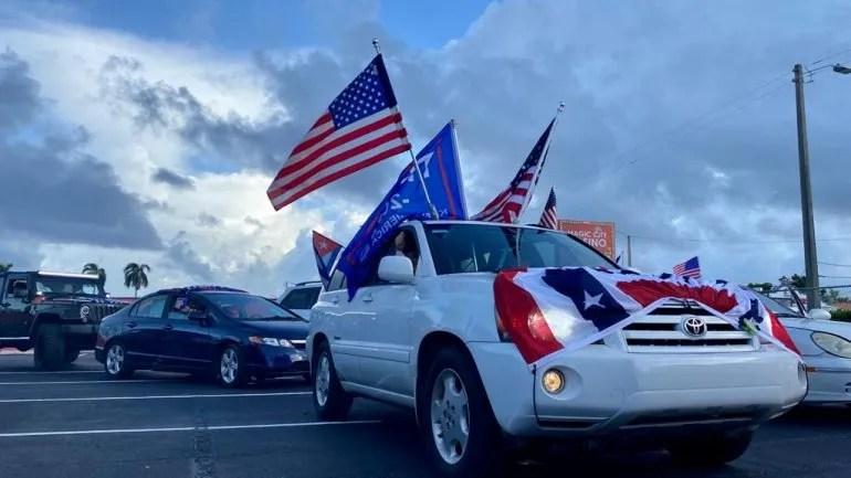 Una caravana de vehículos circuló por el sur de la Florida expresando su rechazo al comunismo.