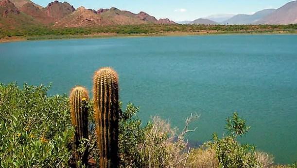 Laguna salteña atrae a OVNIS, monstruos y fantasmas