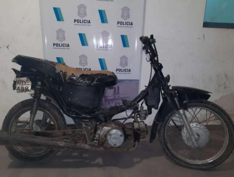 Quilmes: moto secuestrada.