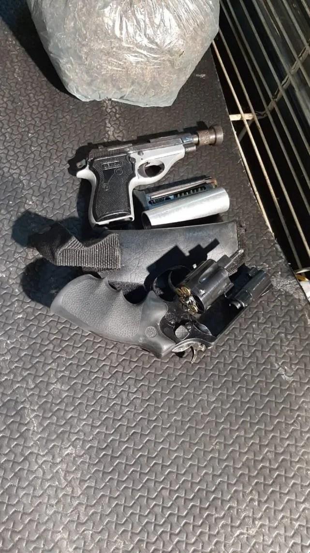 Encontraron marihuana y armas.