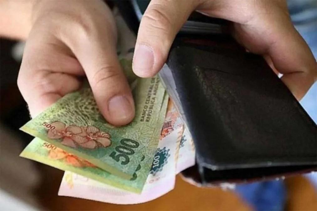 Salario mínimo: ya es oficial el aumento del 13%