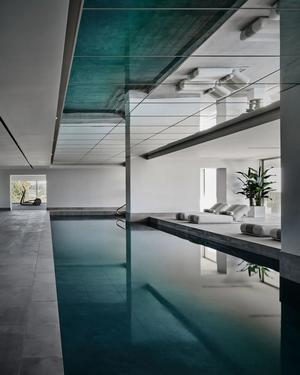 There are five pools in total.  You can also let off steam indoors.